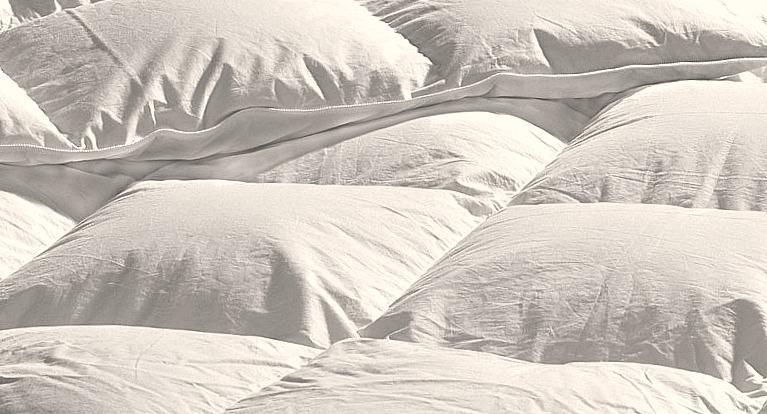 surmatelas la touche luxe de votre literie direct matelas. Black Bedroom Furniture Sets. Home Design Ideas